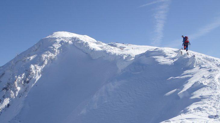 雪山で欠かせないグローブはテムレスが買い!