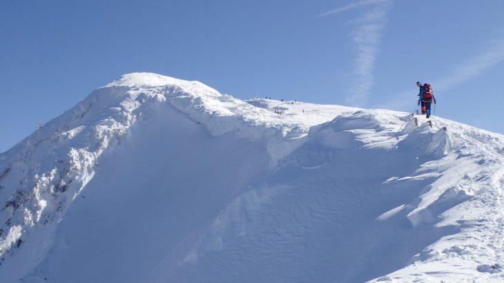 雪山で飲み水を綺麗にする方法をご紹介