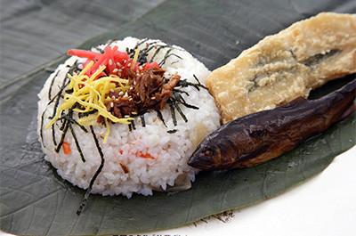 飛騨の朴葉寿司