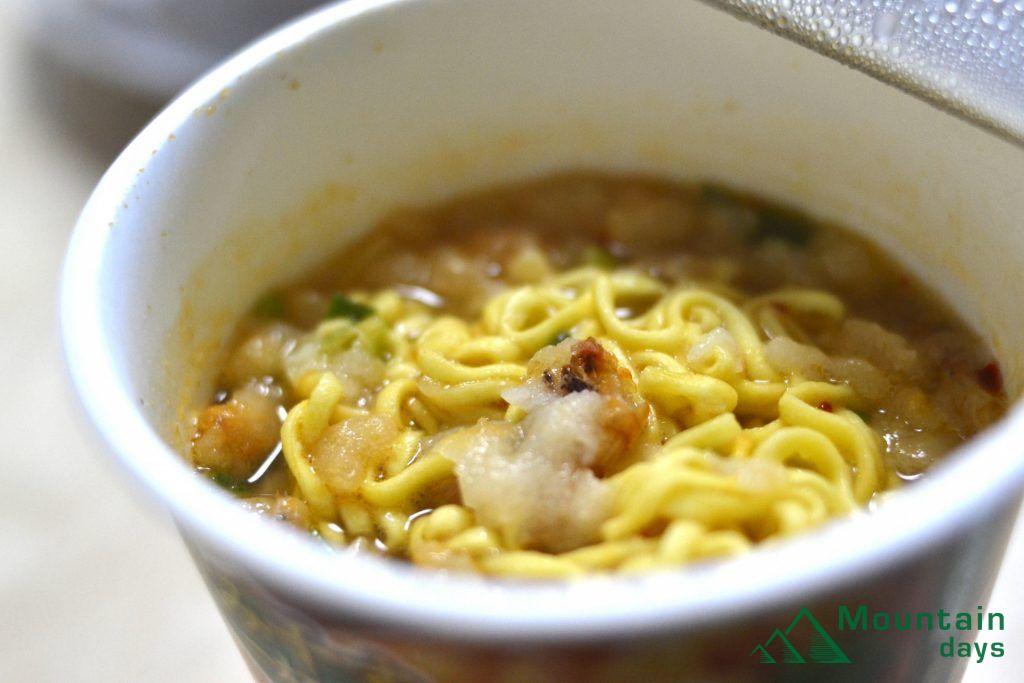 カップ麺のスープ、残り