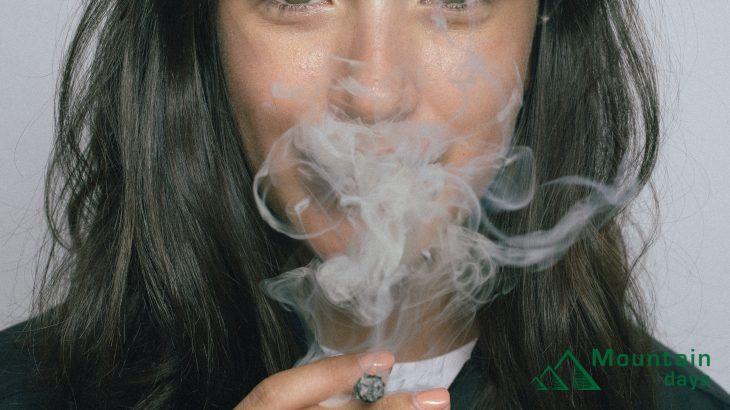 山でタバコって吸っていいの?
