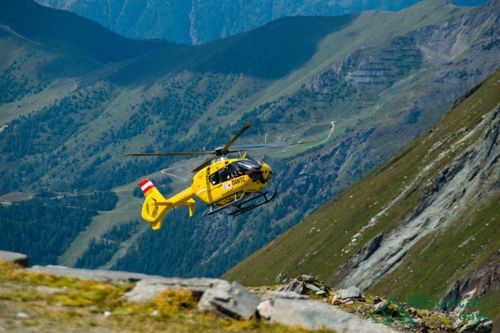 遭難救助のヘリコプター