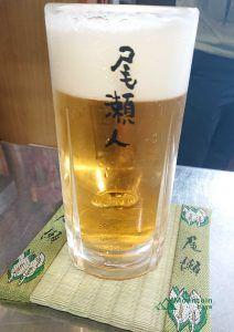 尾瀬人グラスで飲む生ビール