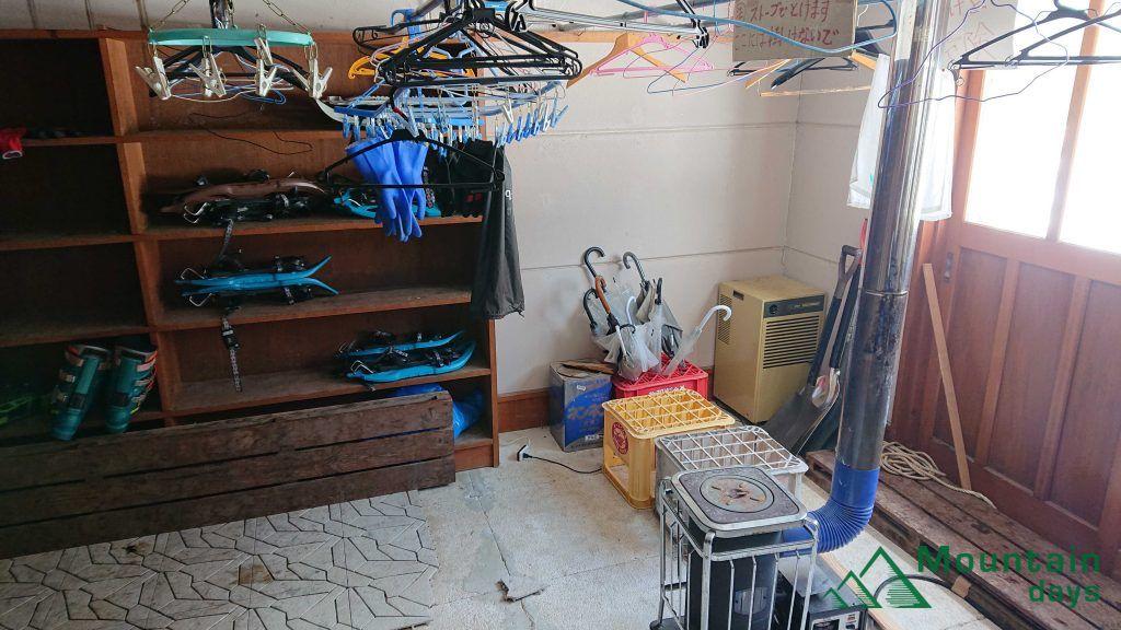 尾瀬沼ヒュッテの乾燥室