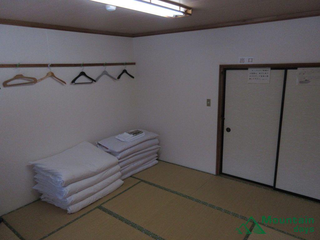 尾瀬沼ヒュッテの部屋
