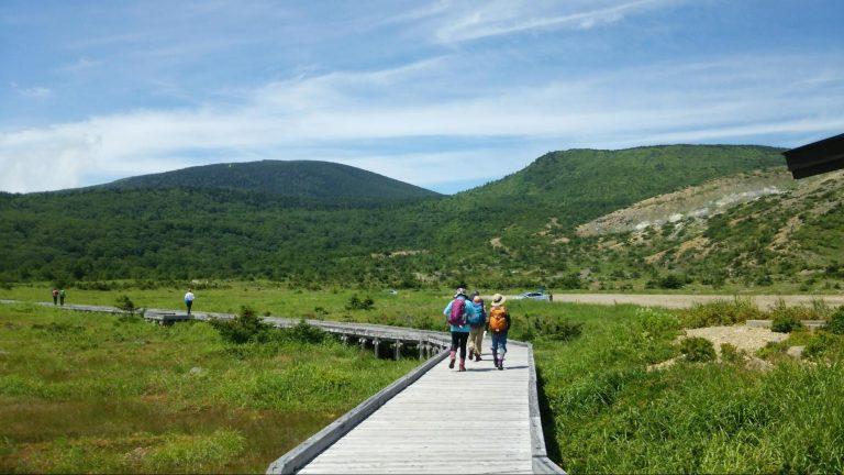東吾妻山までの整備された木道写真